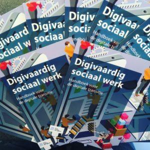 Flyer boek digivaardig sociaal werk